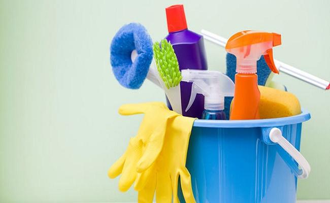 limpiar los accesorios de baño