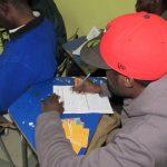 Encuestan a migrantes haitianos de Valdivia para derechos del consumidor