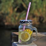 7 maneras en que tu cuerpo se beneficia del agua de limón