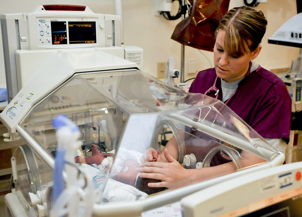 Hospital Base Valdivia busca enfermeros
